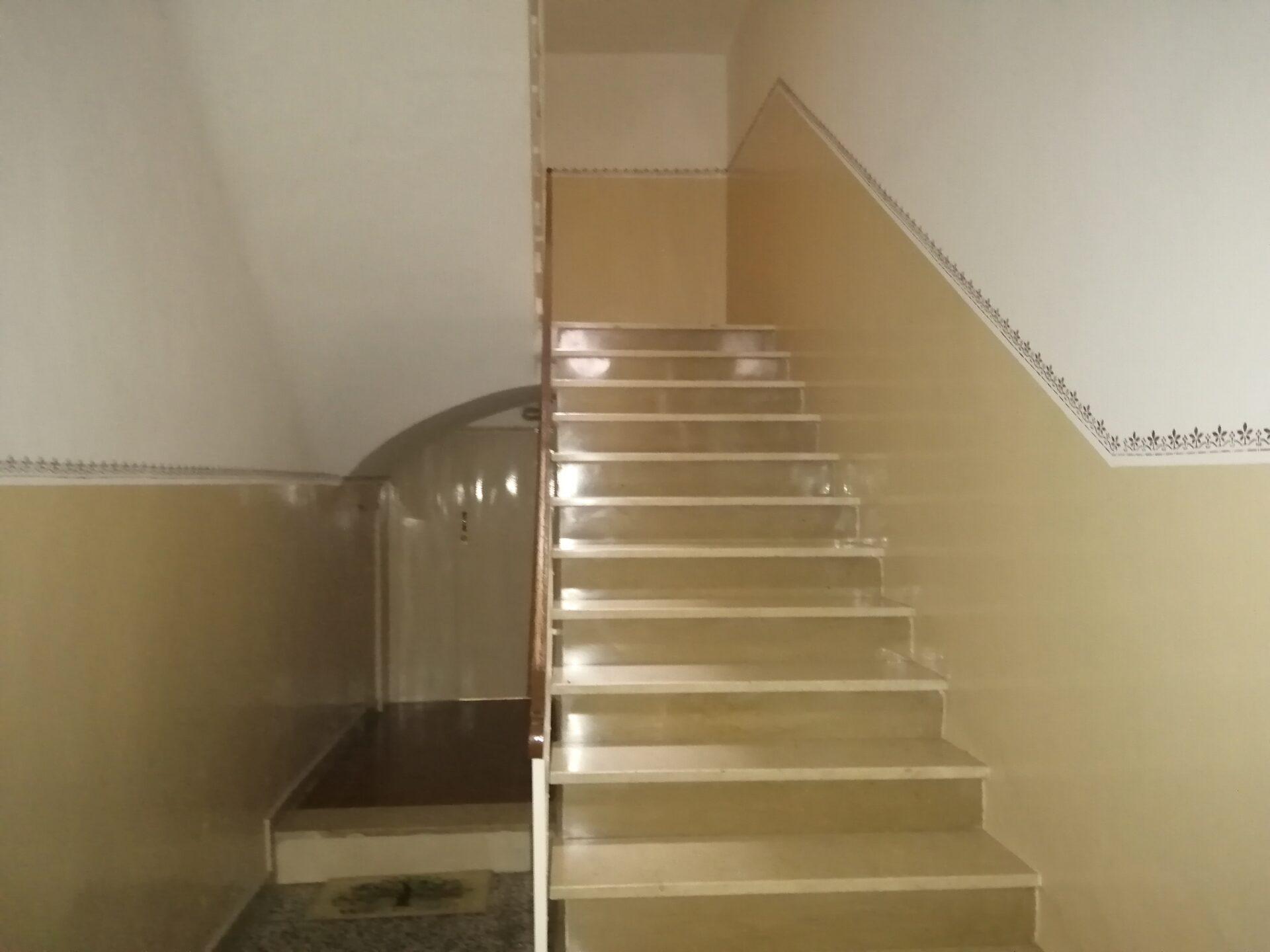 Vendesi Appartamento 3 vani + acc II° P. (zona Via A. Moro)
