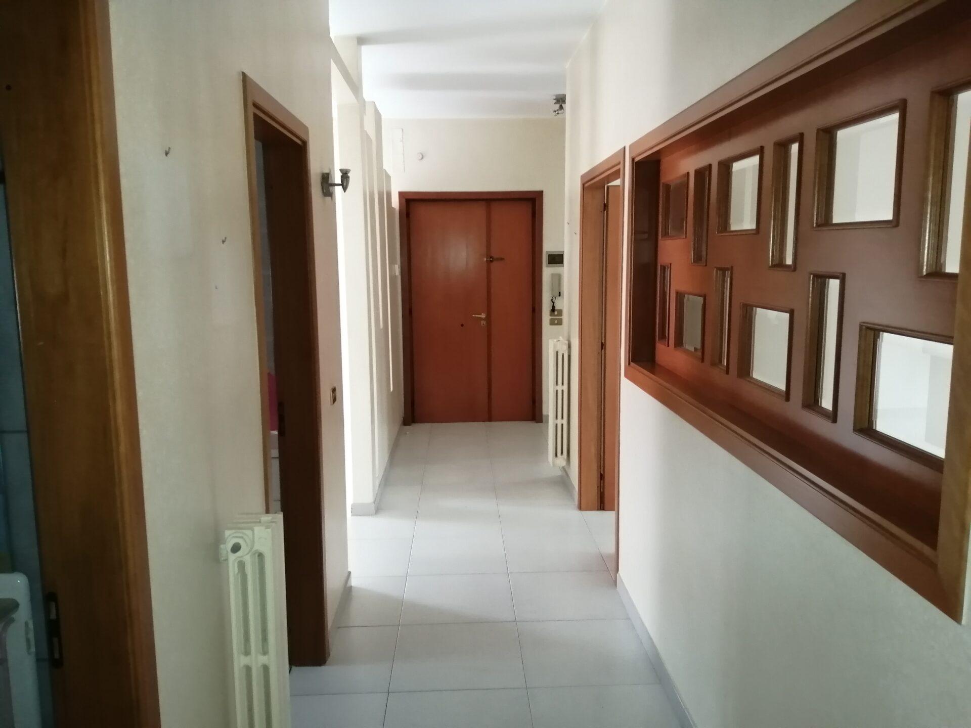 Appartamento 4 vani + acc con 2 Wc – Via S.ELia